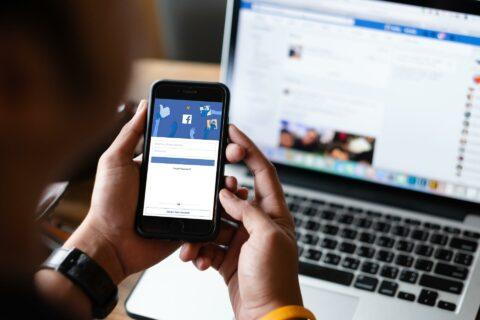 Kako-ustvariti-anketo-na-Facebooku
